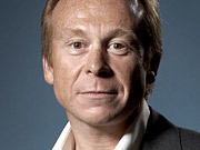 Saatchi Global CEO Robert Senior to Step Down
