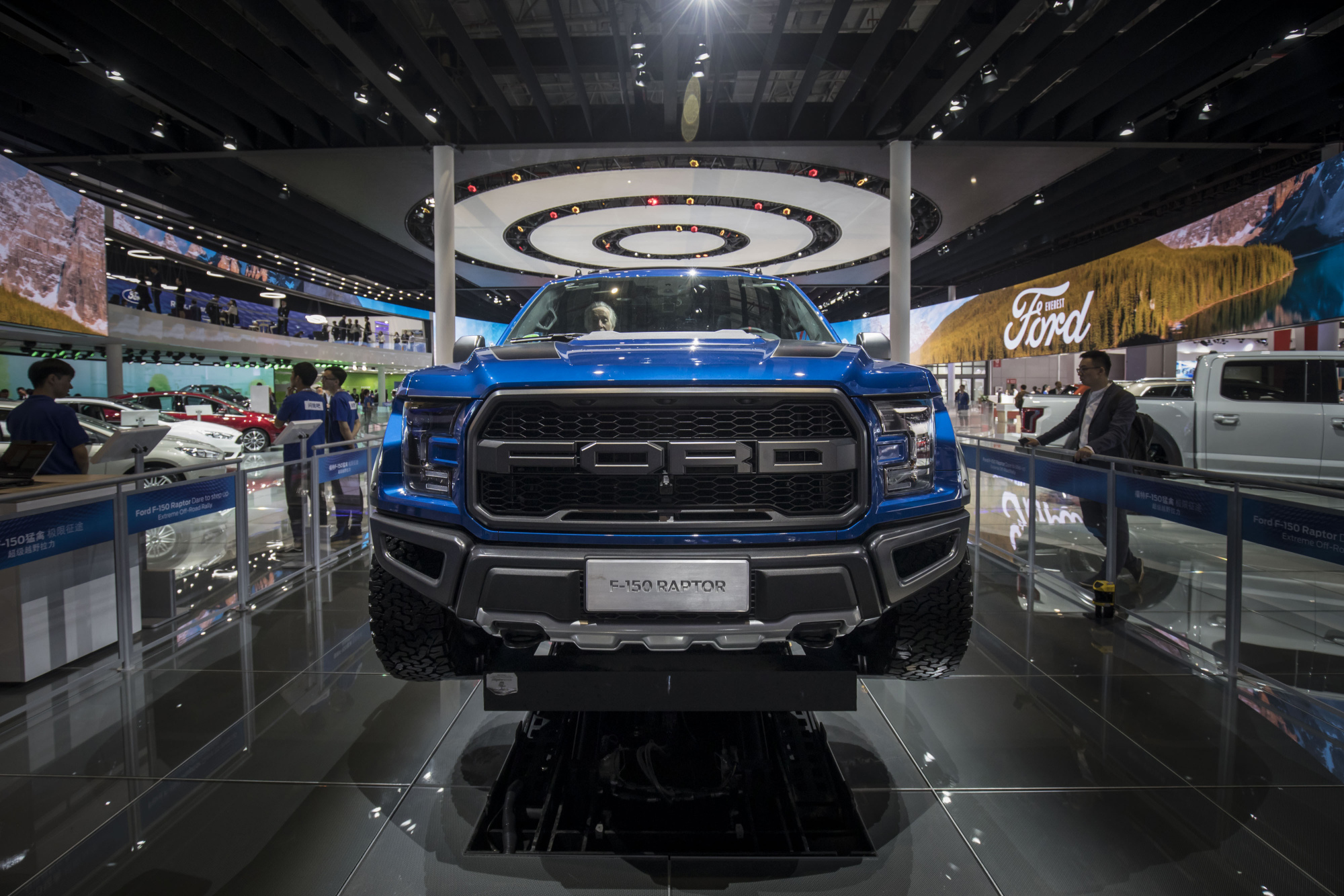 Ford wins truck bragging rights while GM rolls out new big rigs