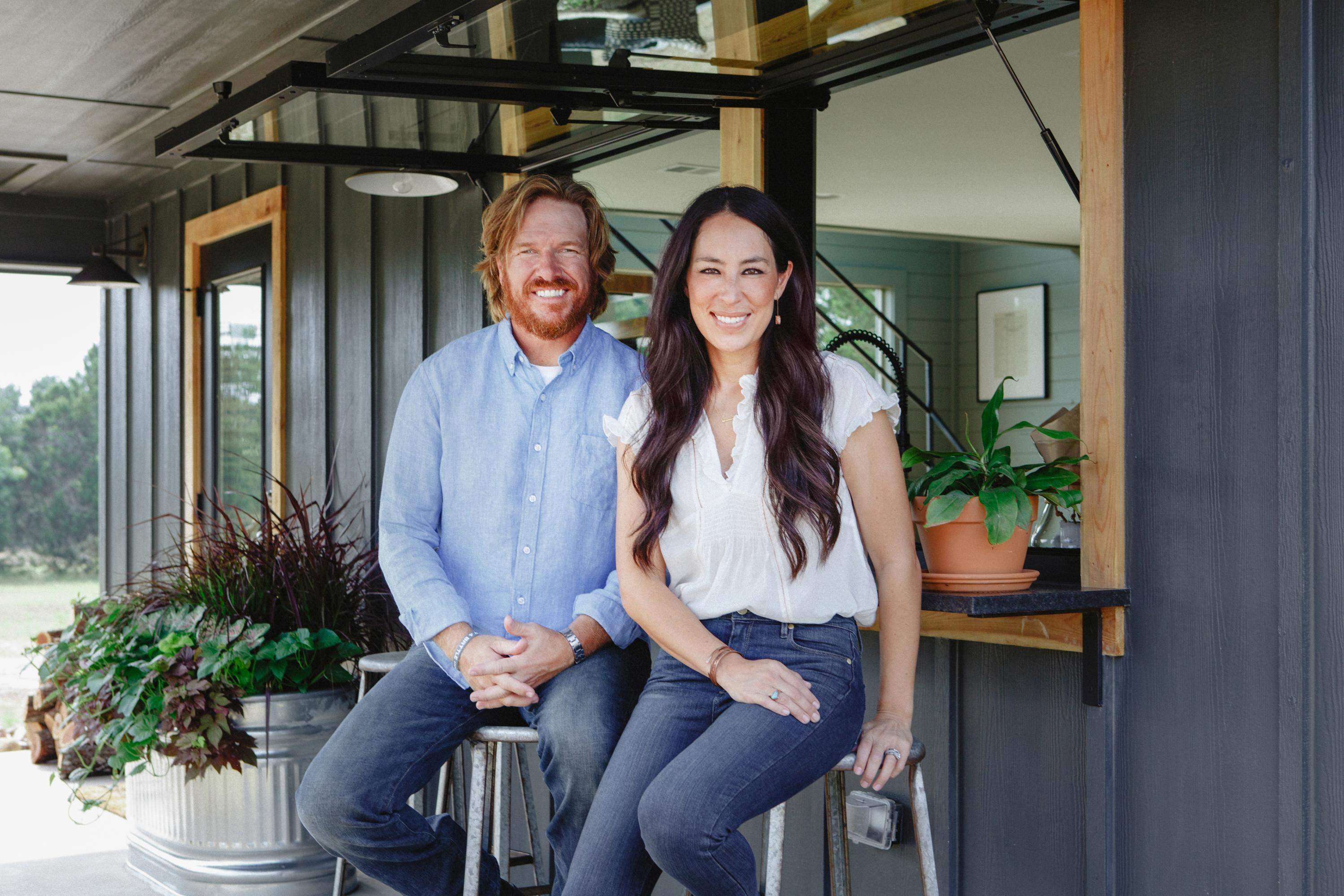Discoverys Diy Network To Turn Into Chip And Joanna Gaines Channel
