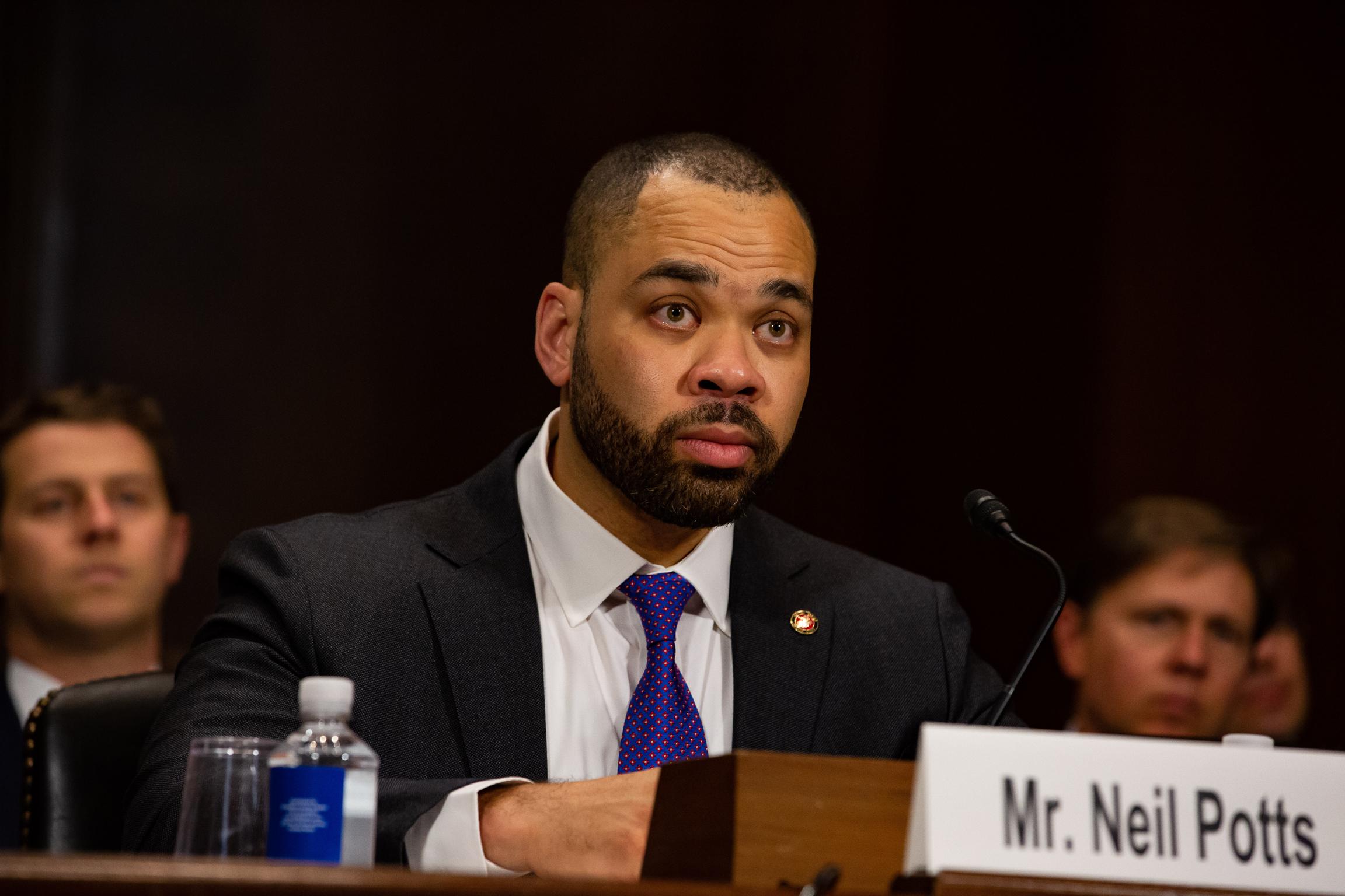 Senators criticize a potential—relatively cheap—fine for Facebook