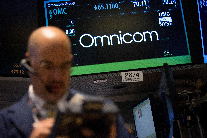 Omnicom Group shares fall on decline in second-quarter revenue