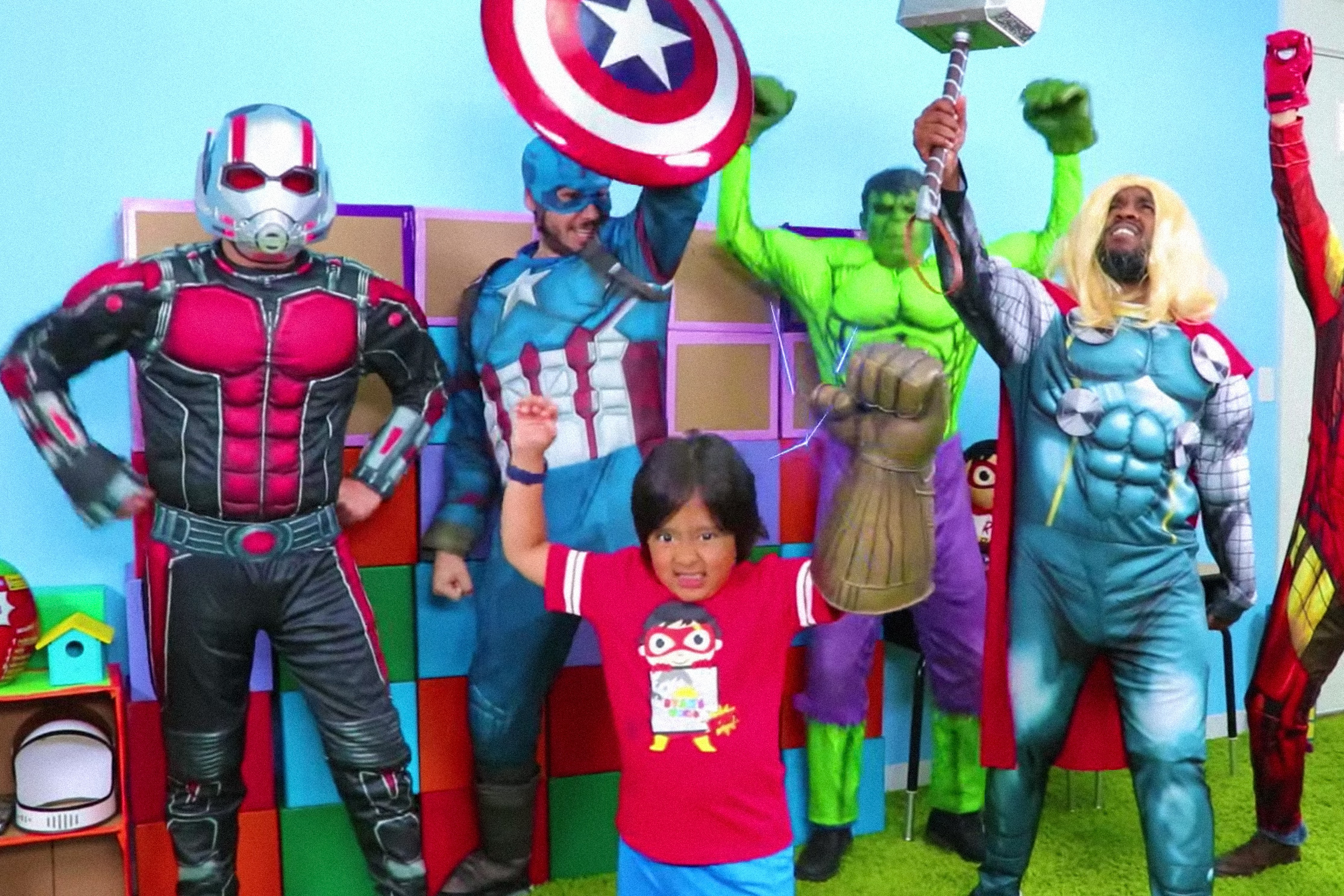 Popular YouTube toy reviewer who's just a kid under scrutiny for 'deceptive advertising'