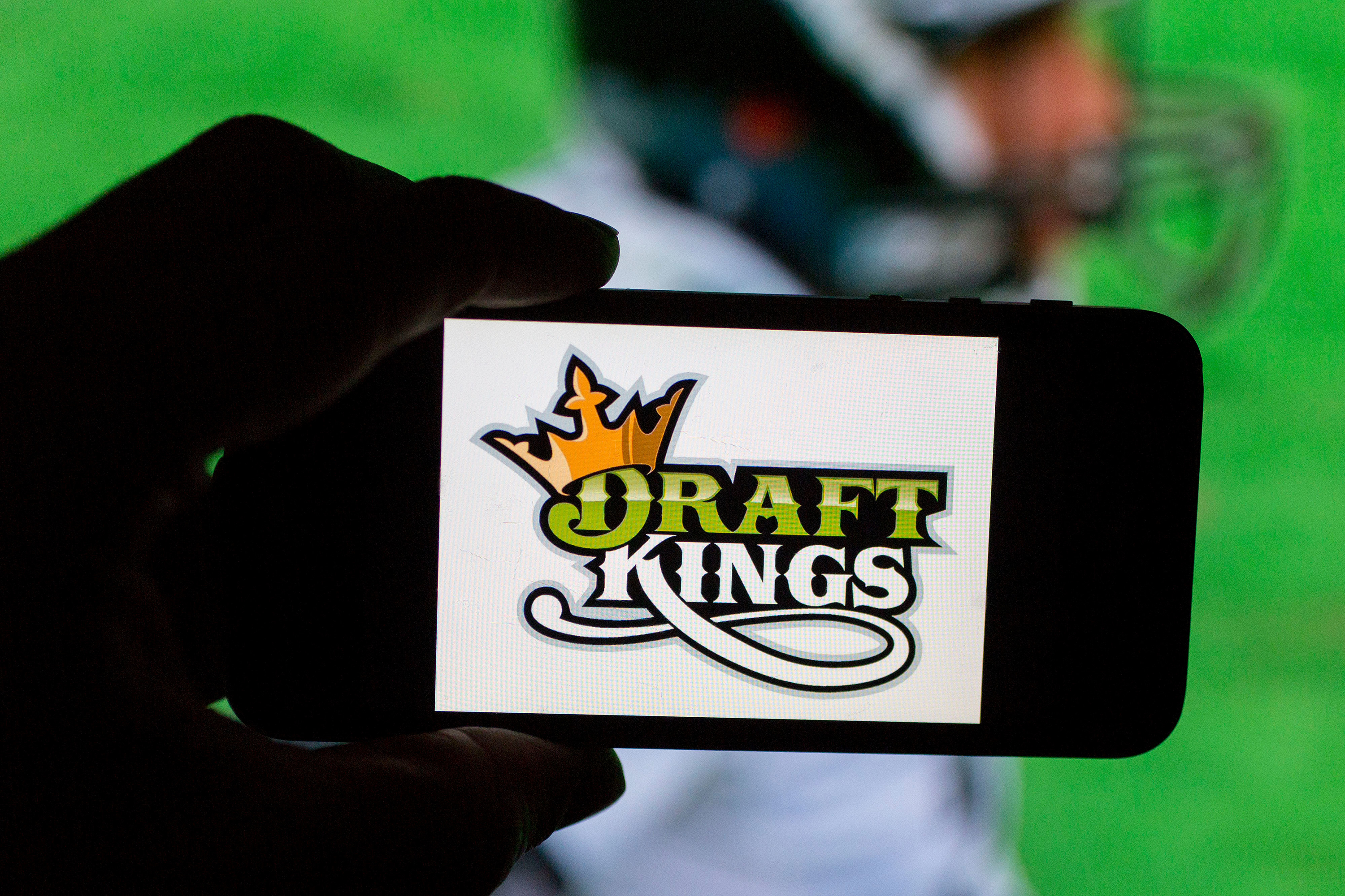 DraftKings inked a deal with the NFL on Thursday, allowing the company to use the league's branding in its marketing material.