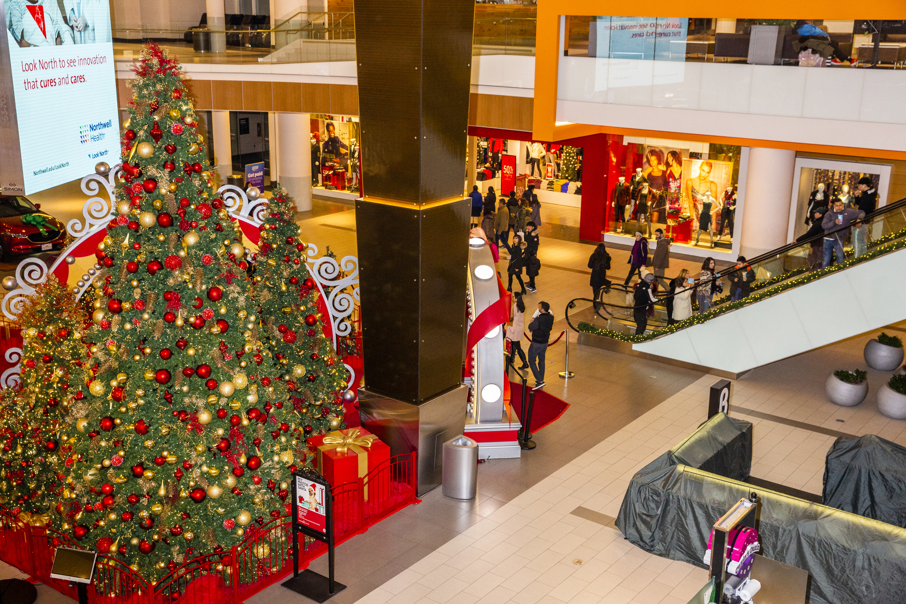 What recession? Holiday sales expected to rise amid boost in ad spend
