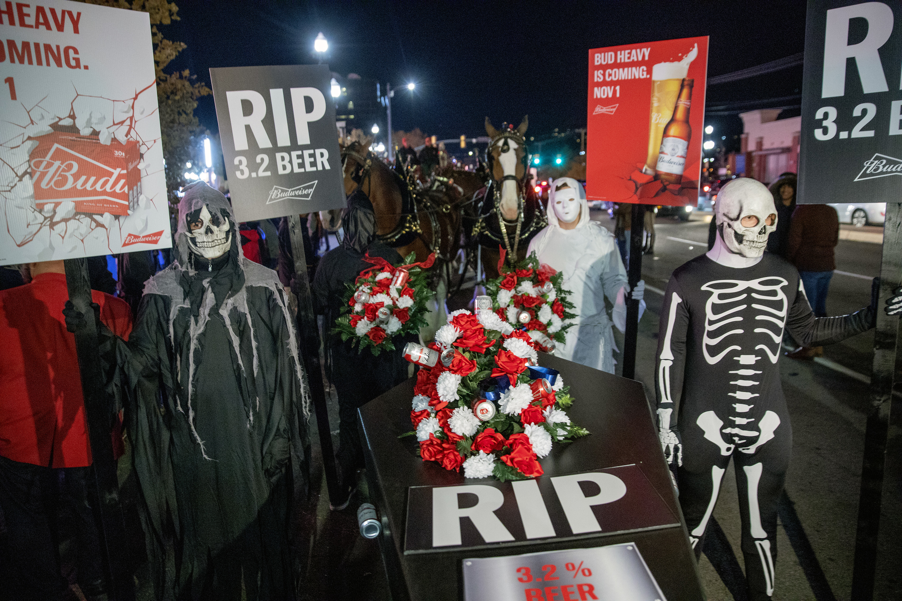 Budweiser holds 'funeral' to mark the death of Utah's '3.2 beer' law