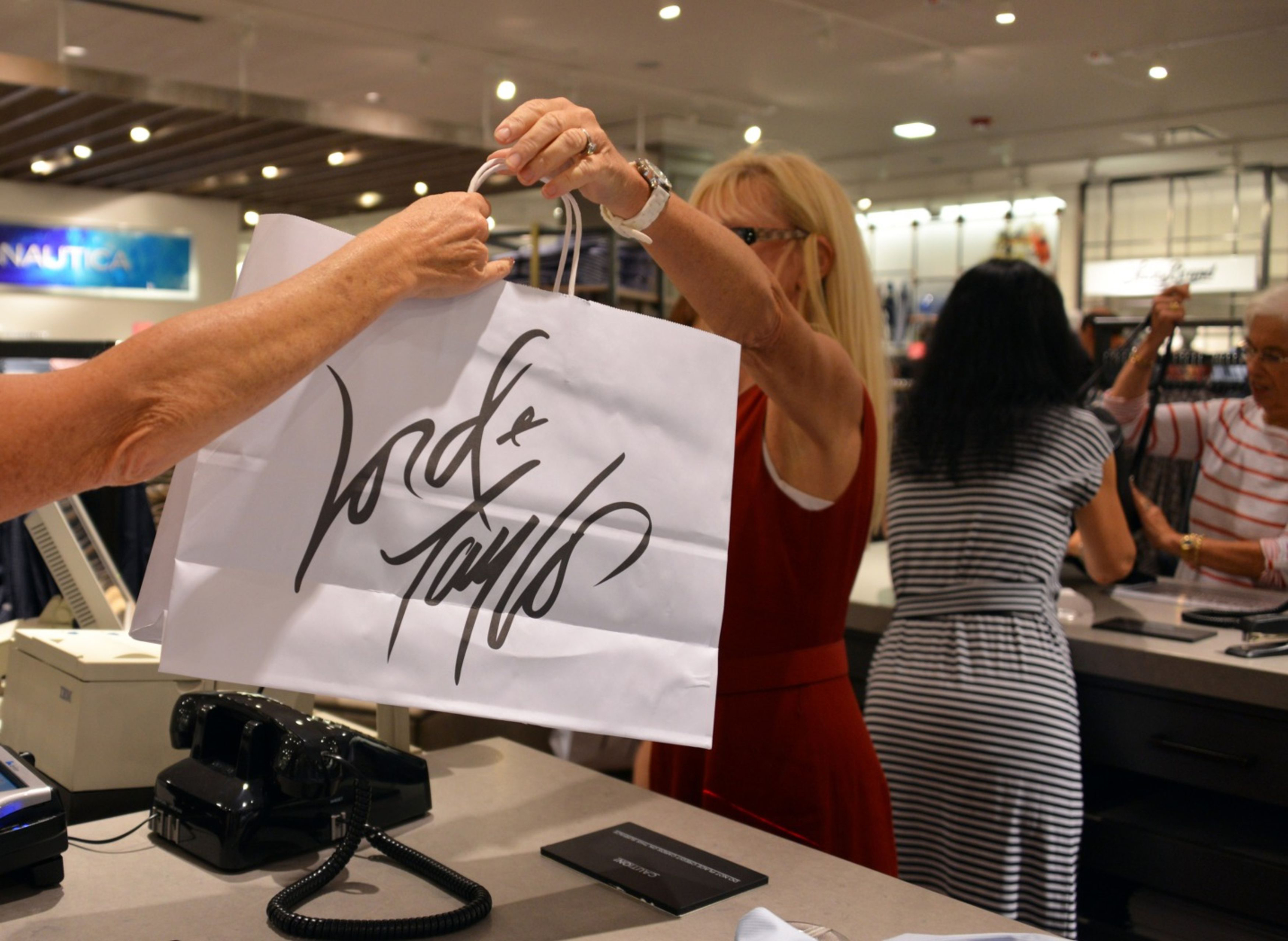 Lord & Taylor is returning to New York City with a mini store