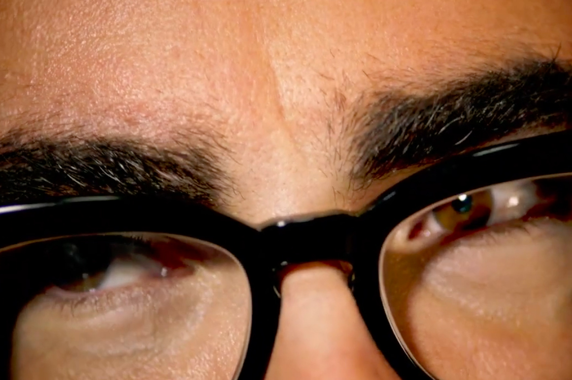 'Schitt's Creek' star Dan Levy and his famous eyebrows star in campaign for Verizon's Visible