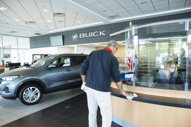 Roaring U.S. auto sales spur JPMorgan to raise price targets