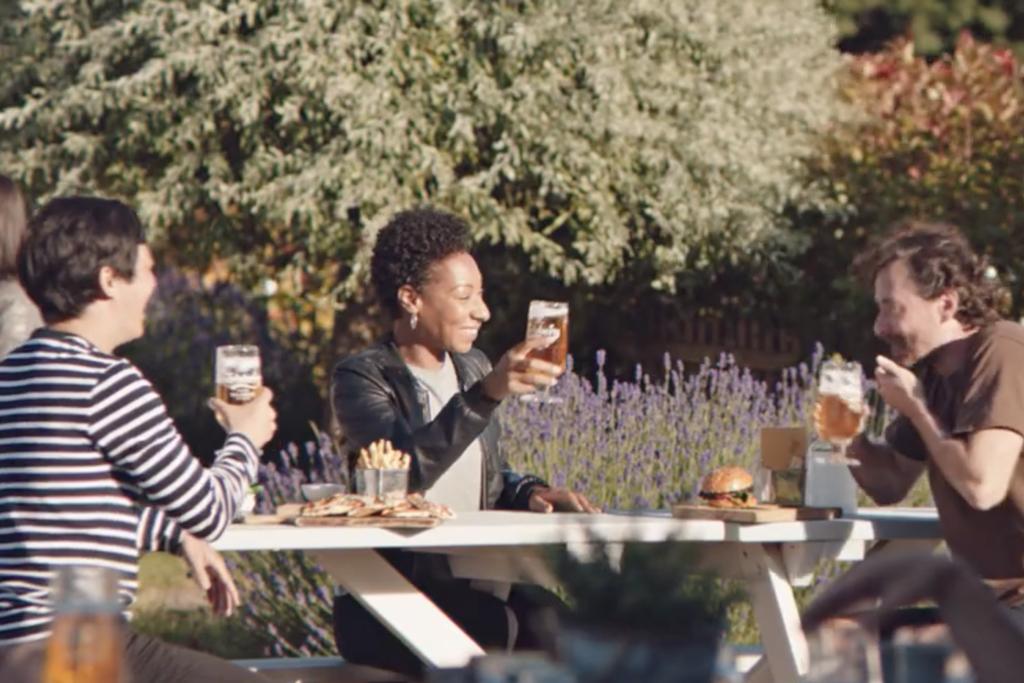 Carlsberg: Welcome back to the pub