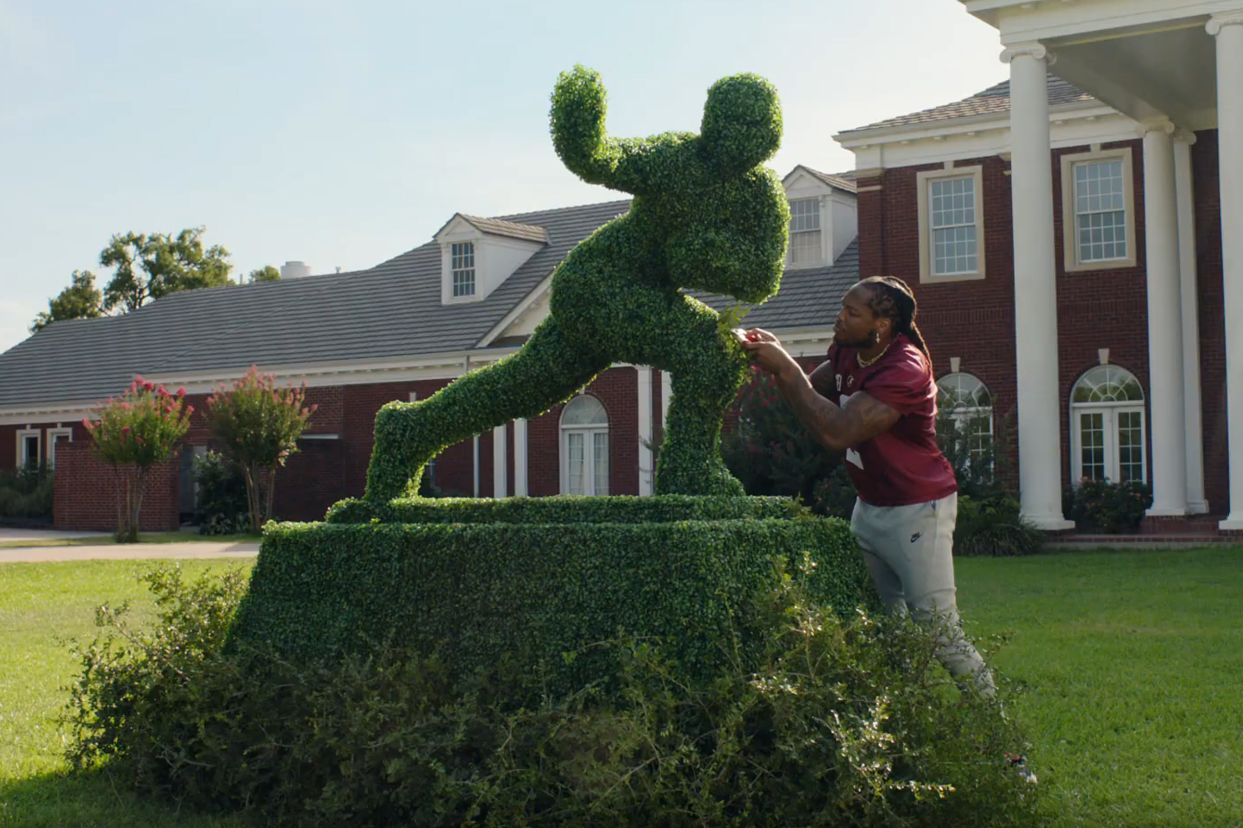 Behind Nissan's move to keep its 'Heisman House' campaign alive amid college football uncertainty