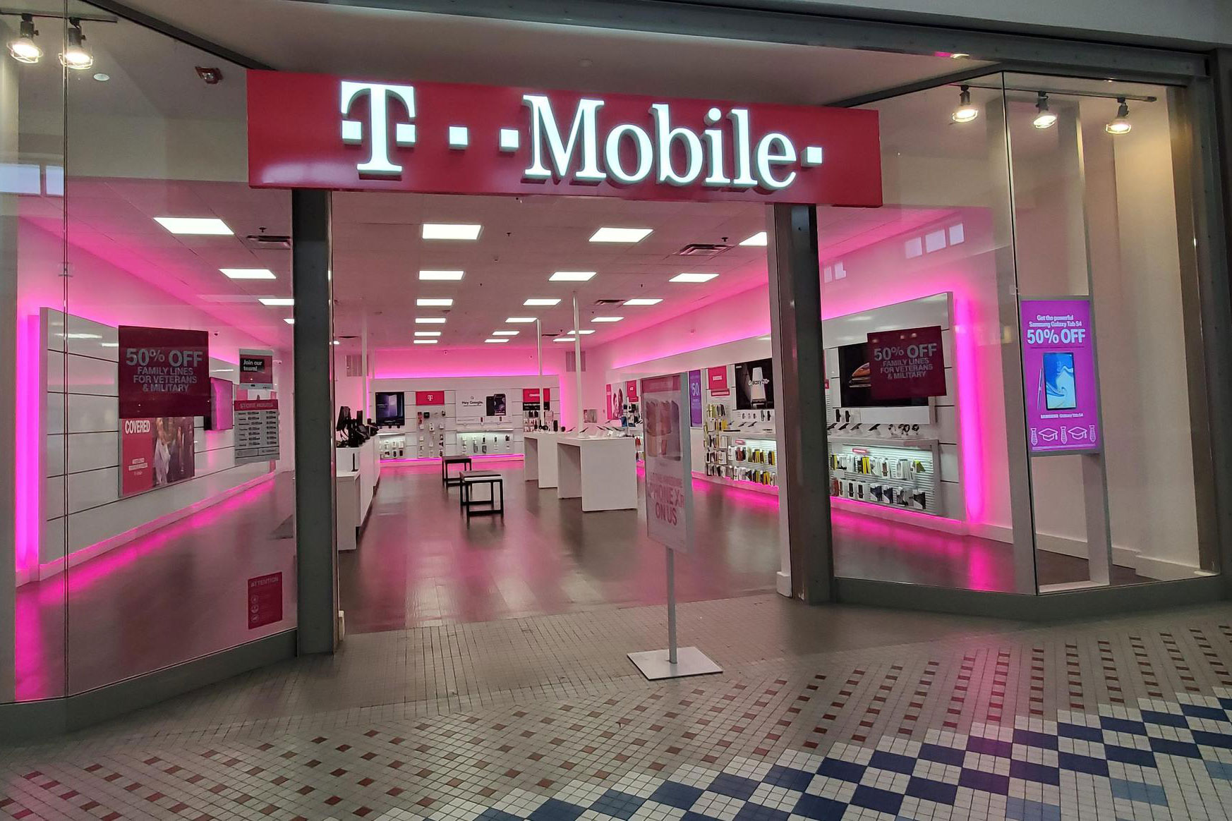 T-Mobile places $2 billion media account in review