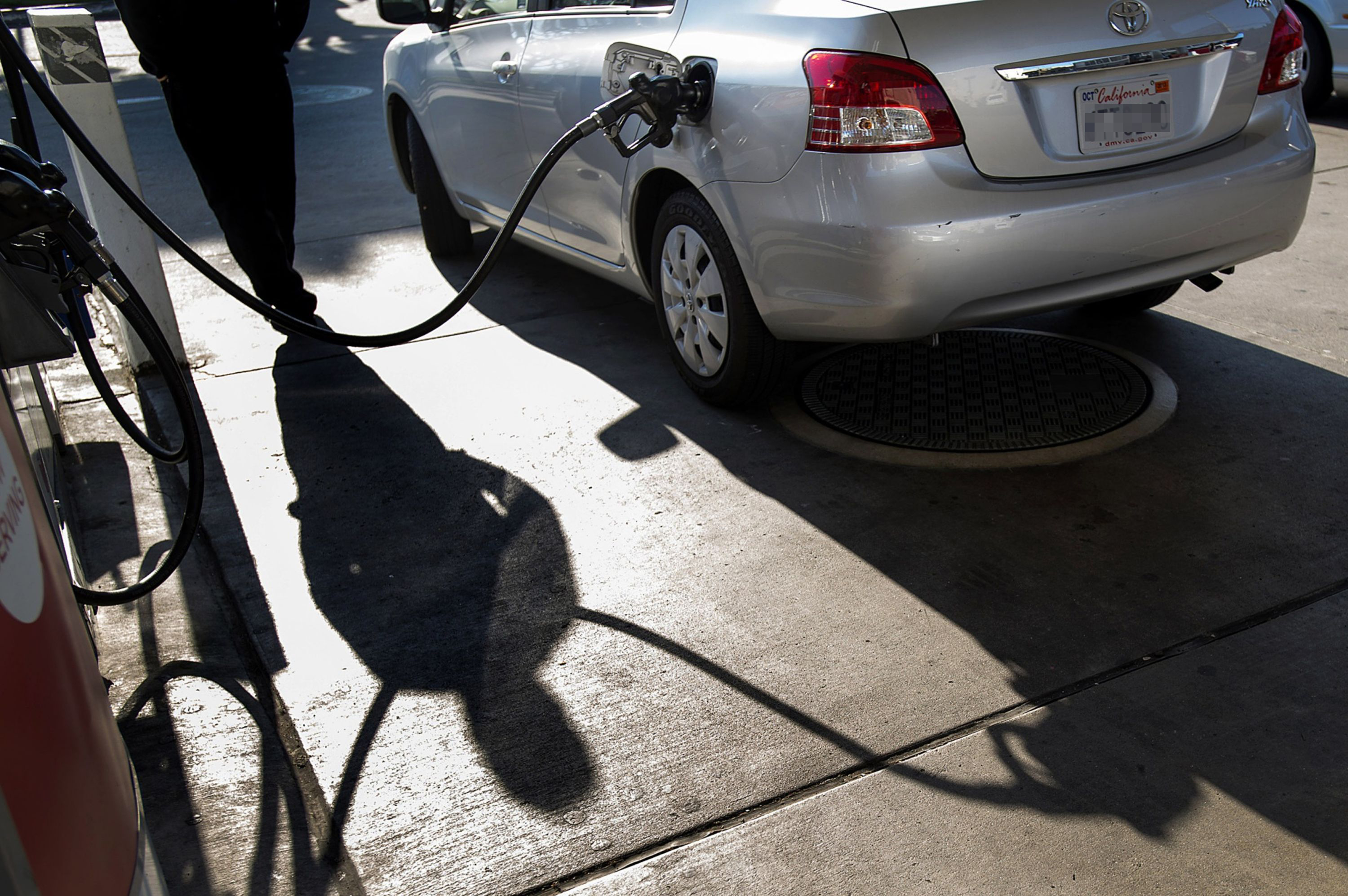 California to phase out gas-powered cars by 2035