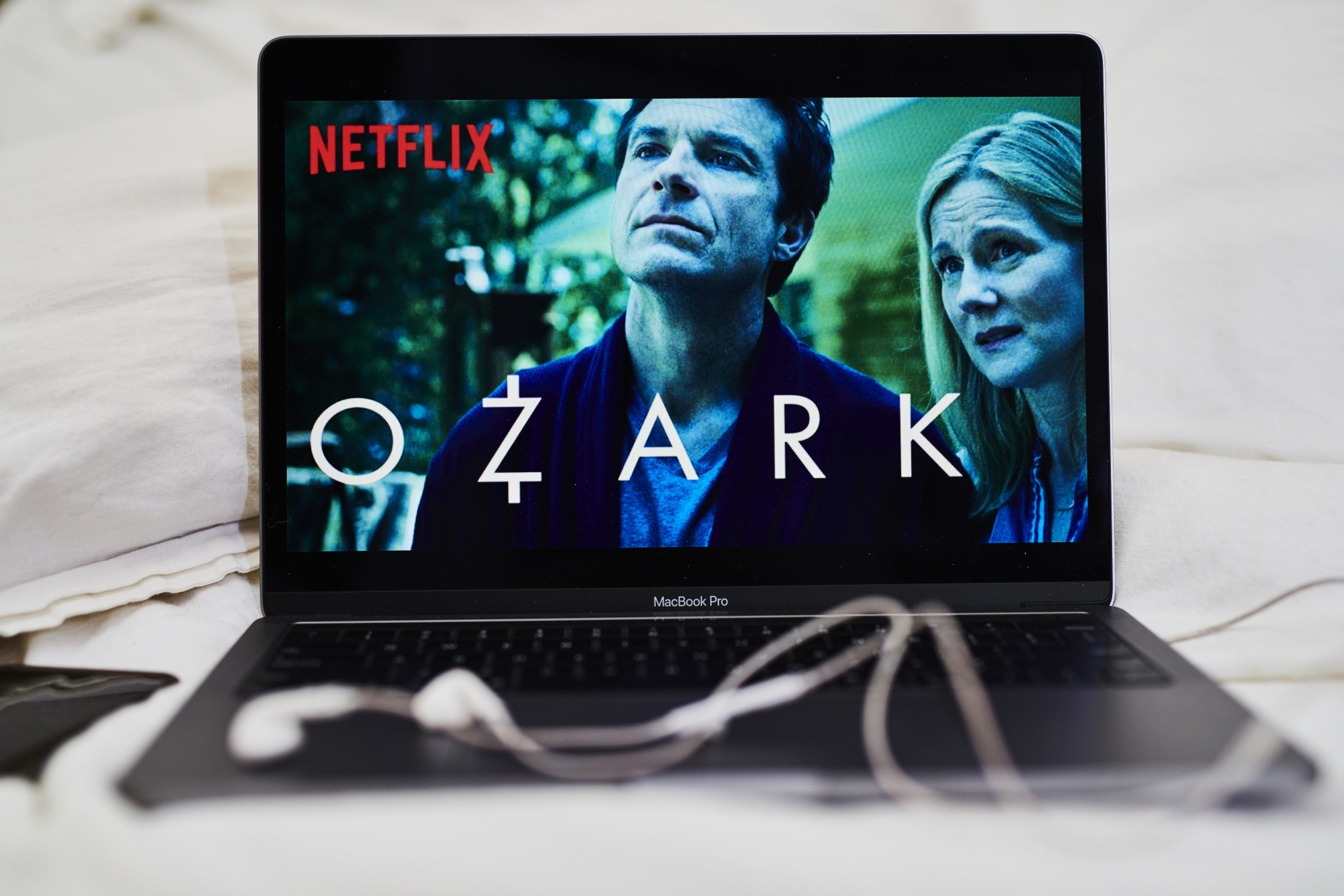 Netflix raises U.S. subscription price in sign of confidence