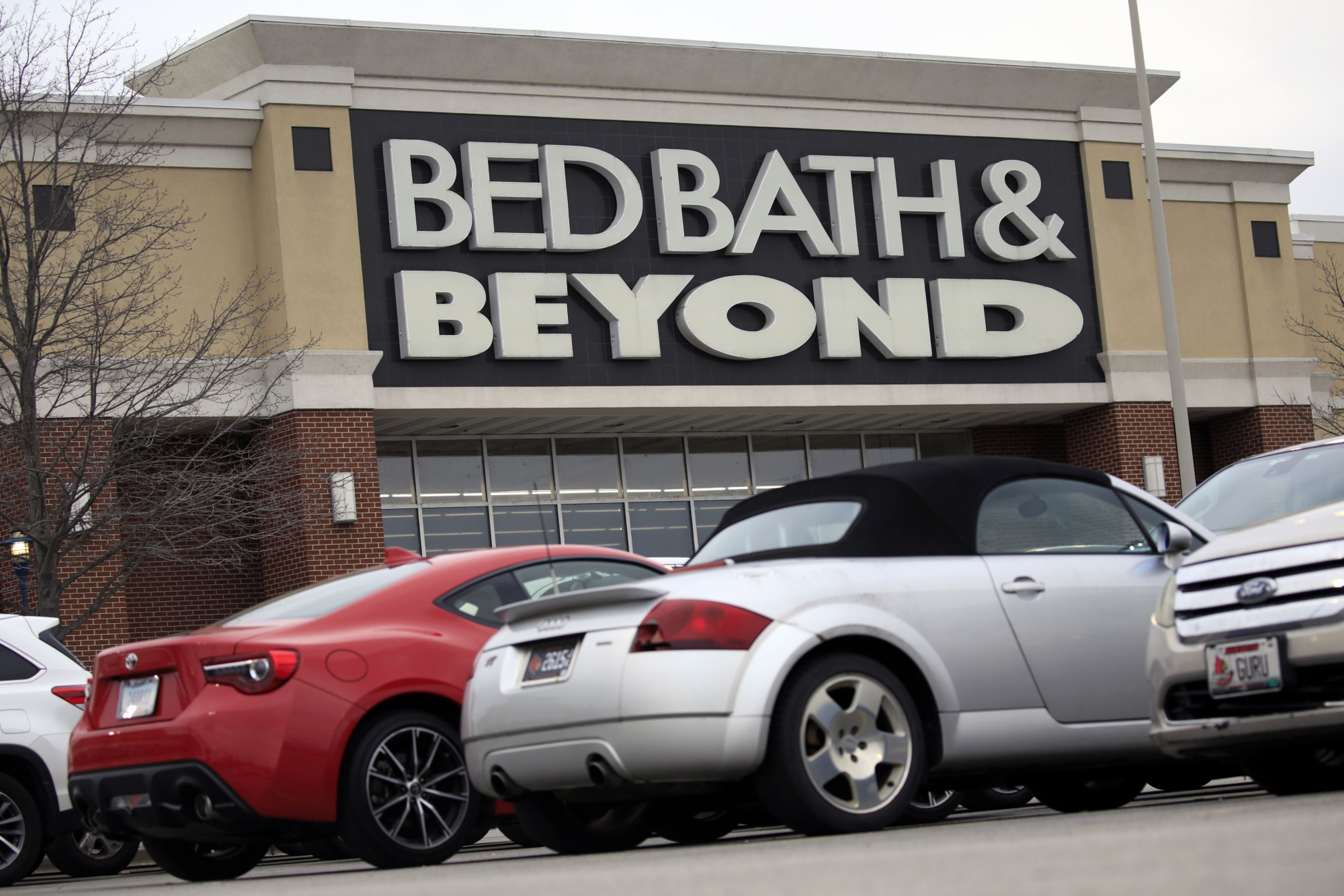 Bed Bath & Beyond names new agency and taps retail vets from Target, Macy's