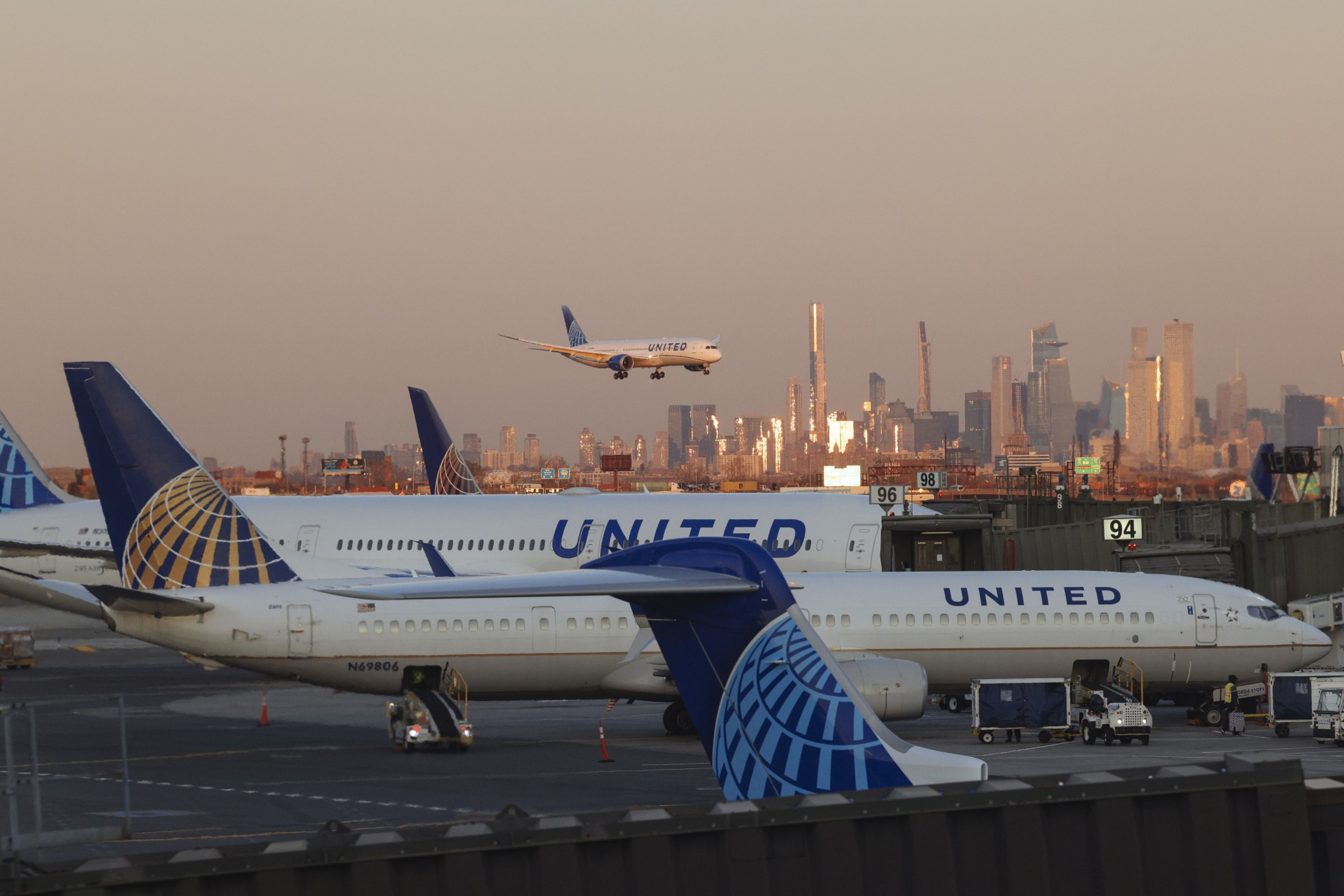 United Airlines puts creative account in review