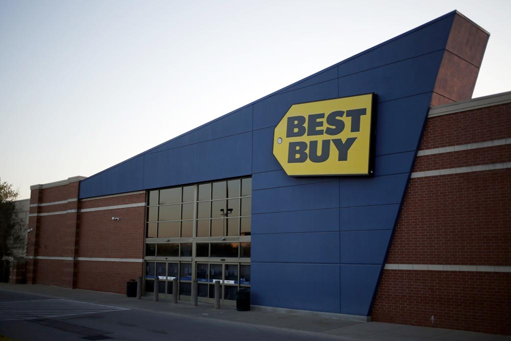 Best Buy tests smaller shopping areas to focus on e-commerce