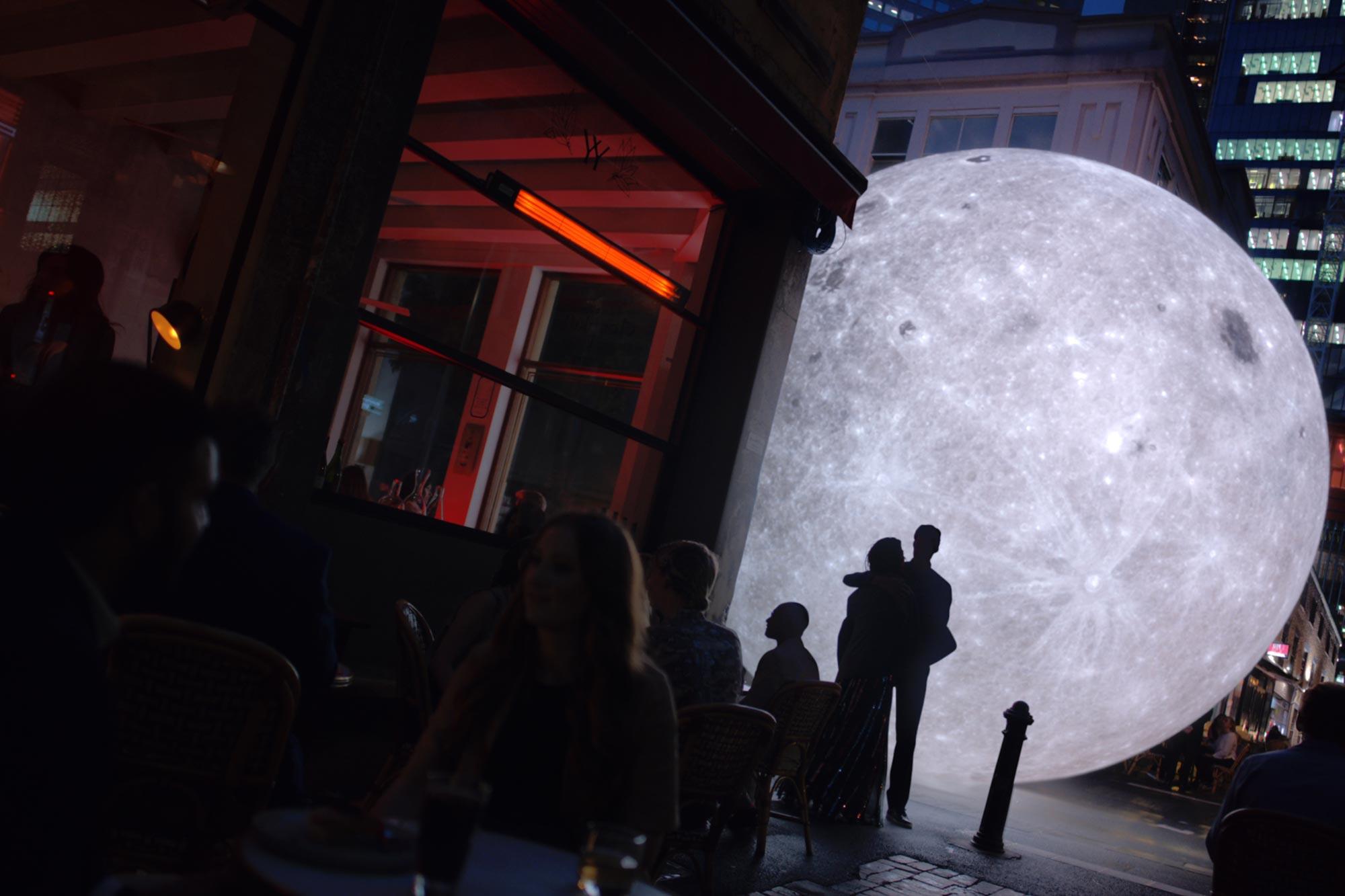 OnePlus: Lunarland