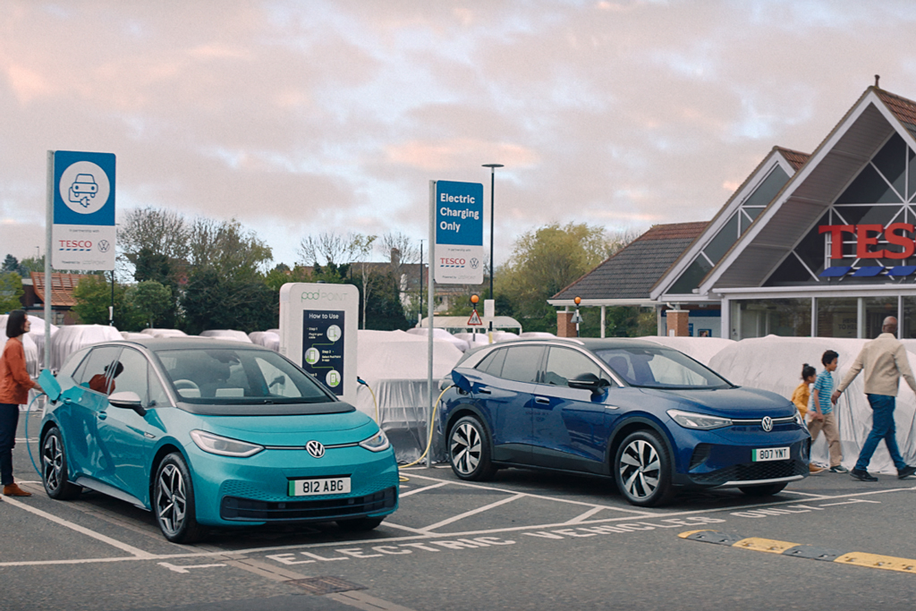 Volkswagen hides its rivals to highlight electric charging