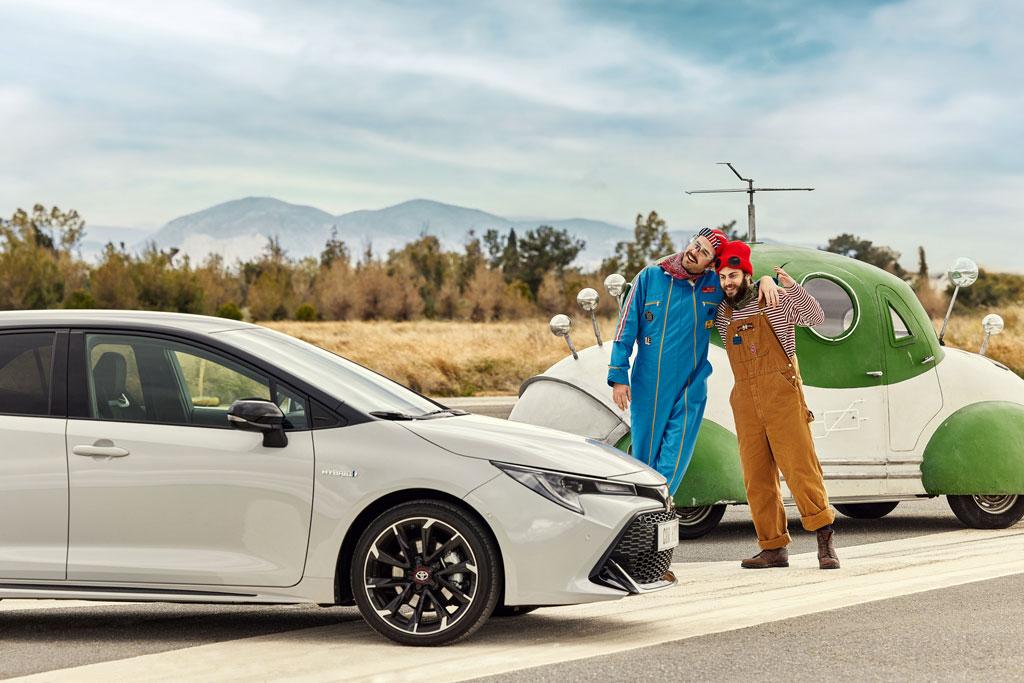 Toyota: Hello Hybrid Happiness