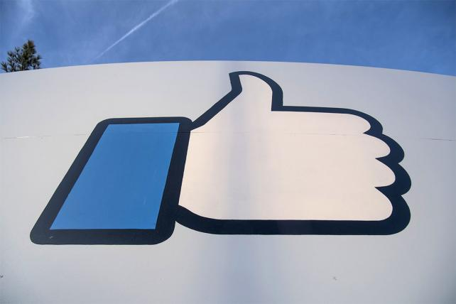 Facebook Sees Its Gen Z Audience Slipping Away to Snapchat