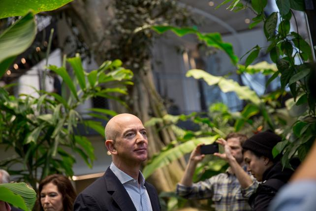 Amazon's HQ bake-off puts it in corporate-welfare spotlight