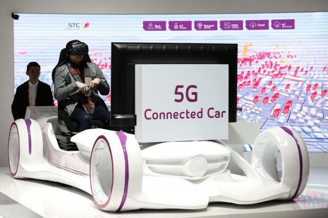 Network Builders See Light at the End of Tunnel as 5G Nears