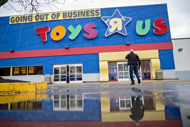 Toys 'R' Us may not be dead after all