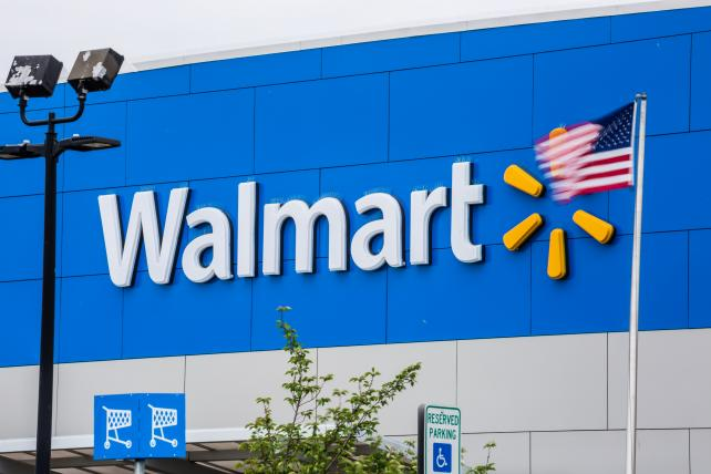 Walmart bounces back with best sales in more than a decade