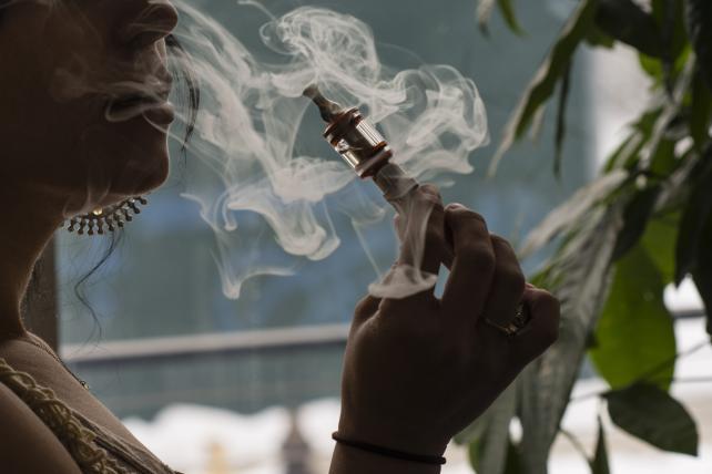 E-Cigarettes, Vapor Devices to Come Under FDA Oversight