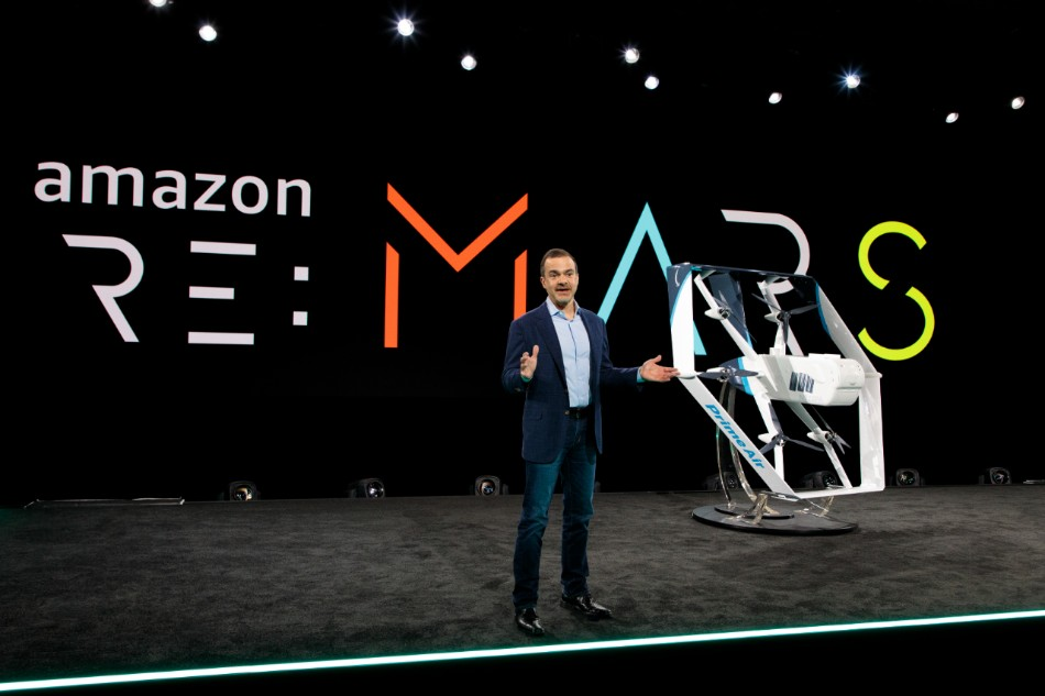 Amazon hypes a delivery drone, and Fiat Chrysler says 'never mind': Thursday Wake-Up Call