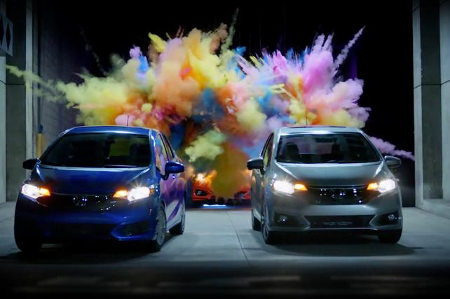 These Honda Fit Ads Disappear Into the Back of the Car