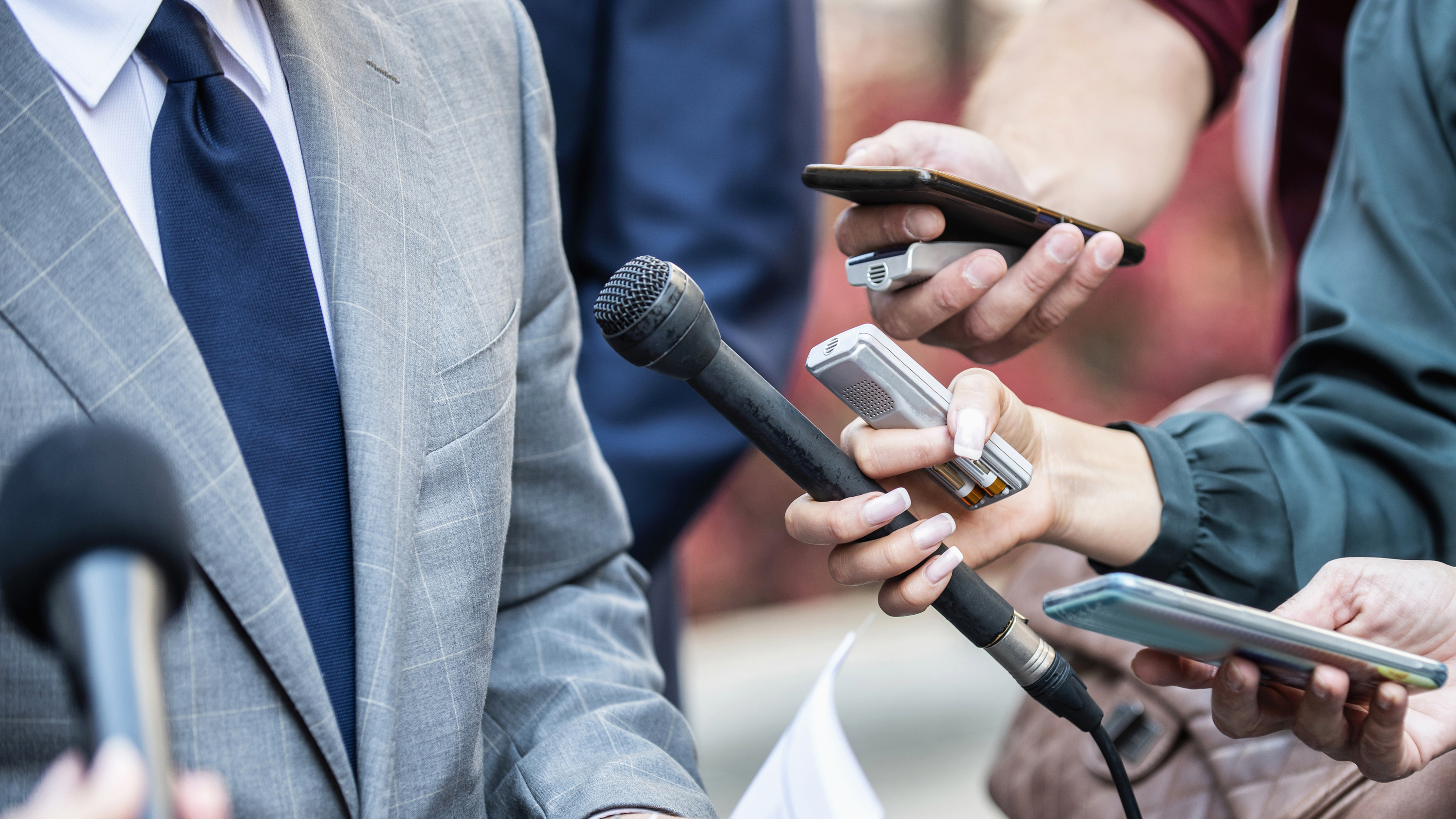 Breaking through the clutter: How to get reporters to pay attention to what you're pitching