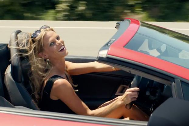 Christie Brinkley Commercial >> Christie Brinkley Has Cameo In Infiniti S National Lampoon Vacation