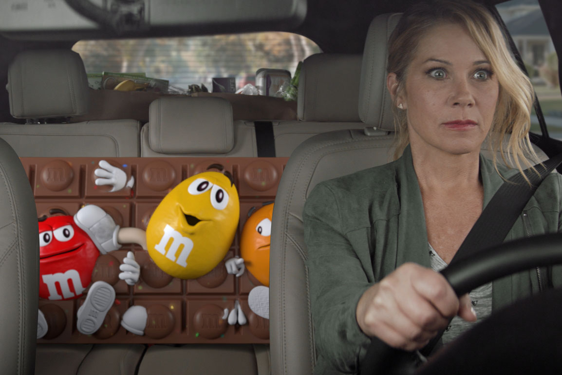 Christina Applegate pushed to her limit in M&M's Super Bowl commercial