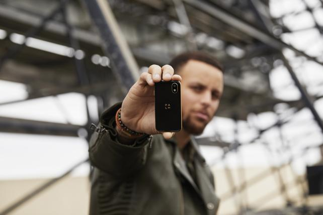 Palm plans comeback with tiny phone, Steph Curry endorsement
