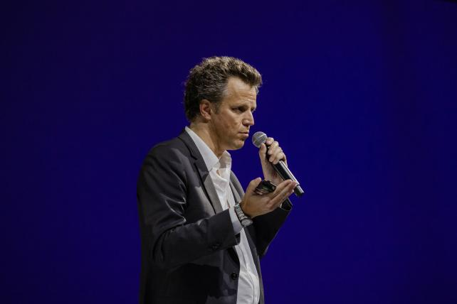 Publicis Groupe predicts a 'bumpy' start to 2019, and Spotify plots a spending spree on podcasts: Thursday Wake-Up Call