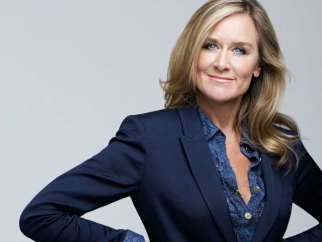 Apple Hires Burberry CEO Angela Ahrendts to Take Over Retail