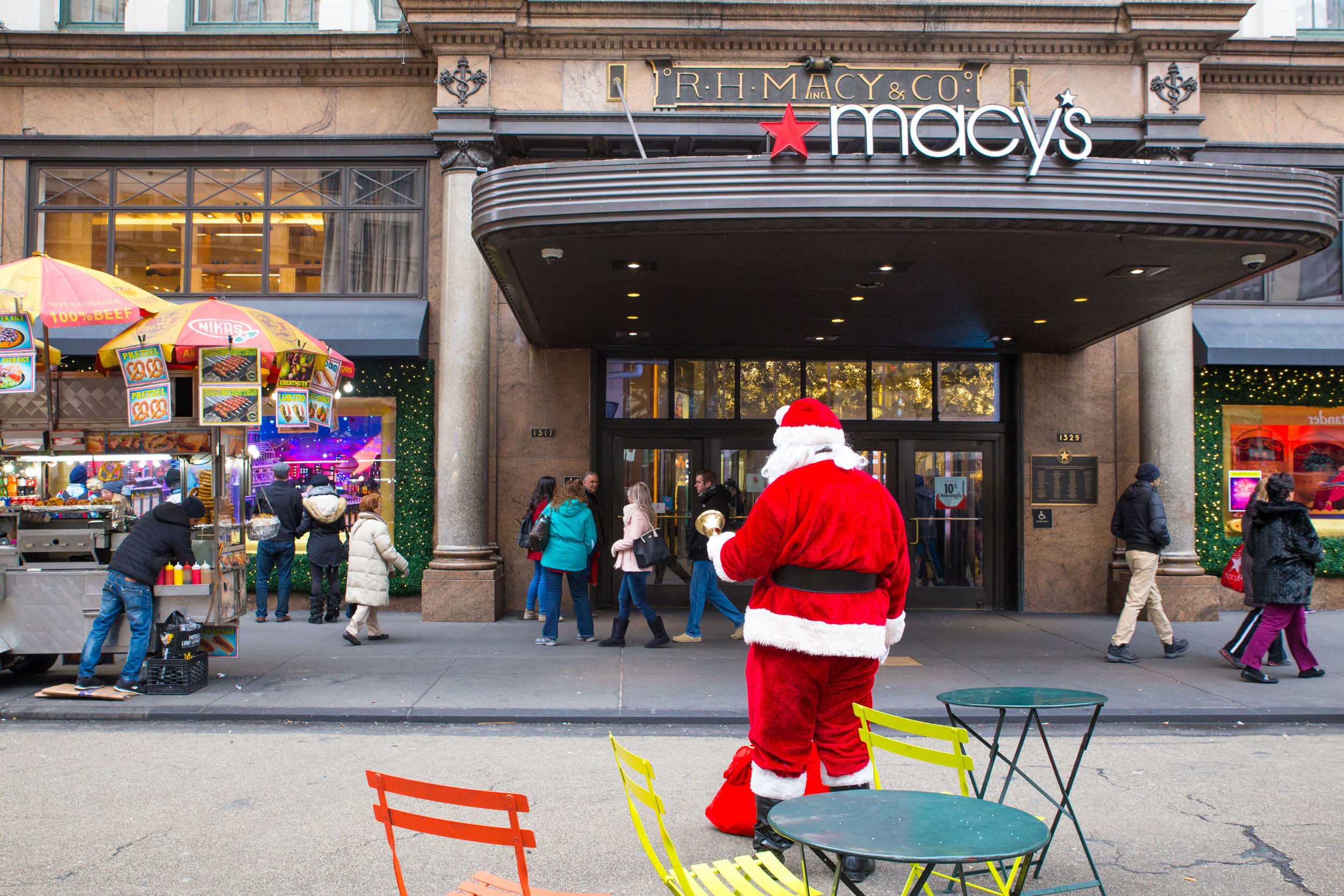 Trending: Macy's cuts Santa, Jay-Z debuts pot brand and cereal sales spike