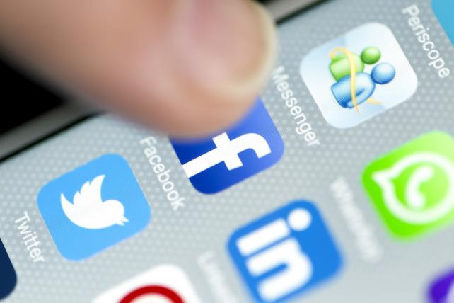At Industry Conference, Publishers Vent About Power of Social Media Companies