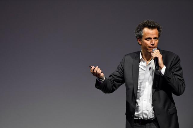 Wake-Up Call: Publicis Groupe revenue declines
