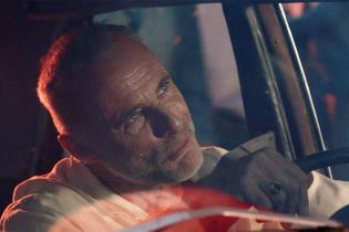 'Sons of Anarchy' star Timothy Murphy navigates through chaos in futuristic spot for Confused.com