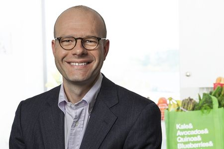 Instacart checks out another Amazon ad sales exec as hiring spree continues