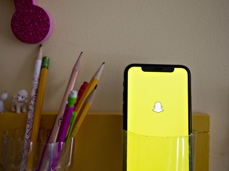 Snap reports quarterly sales that miss Wall Street estimates