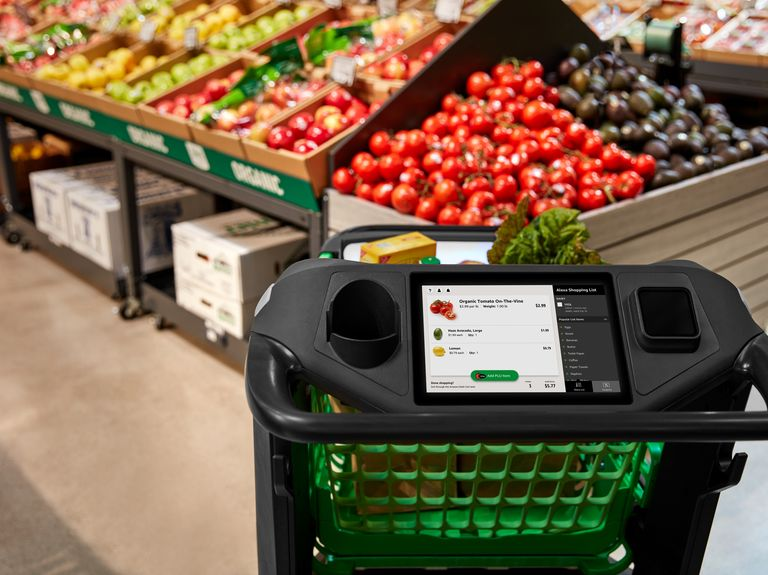 Amazon develops smart shopping cart for cashierless checkout