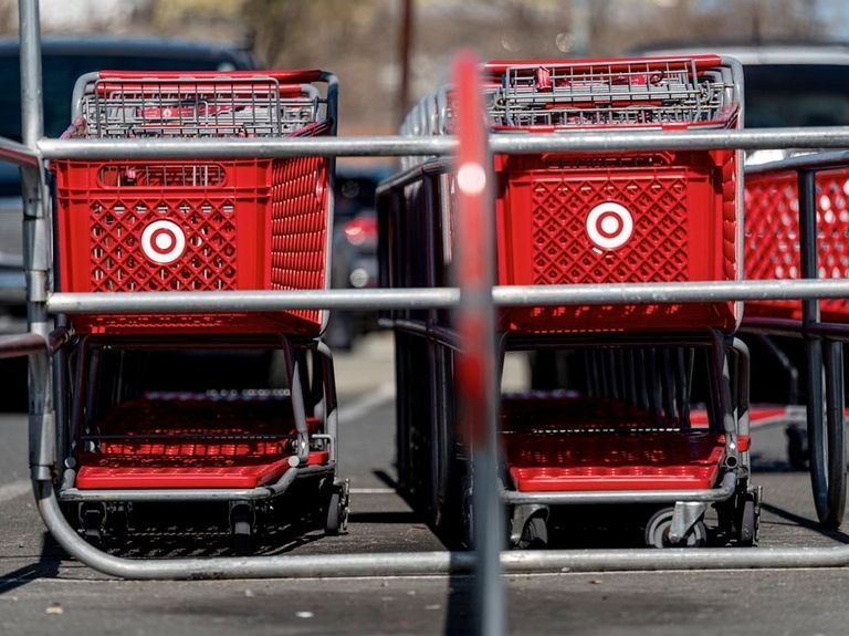 Target reports strong earnings, continues to dominate in shopper sales