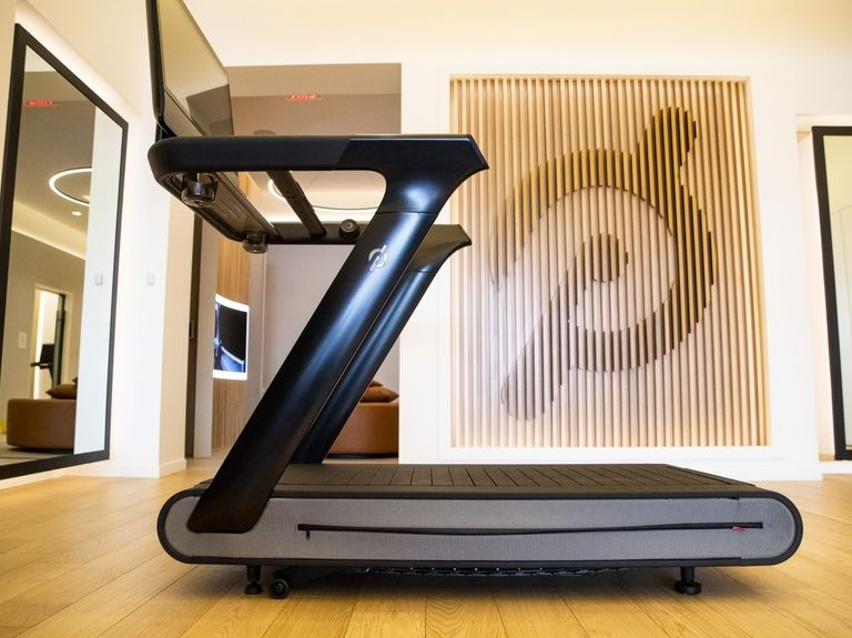 Peloton admits mistake, recalls treadmills