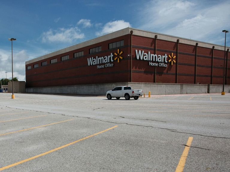 Walmart requires headquarters staff to get vaccinated by Oct. 4