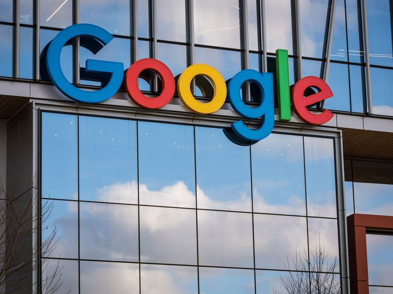 Google accused in suit of fixing ad rates with a Facebook deal