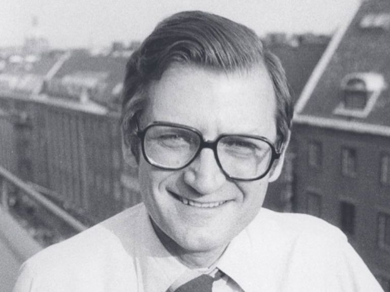Joel Raphaelson, who planted flag in Chicago for Ogilvy & Mather, dies at 92