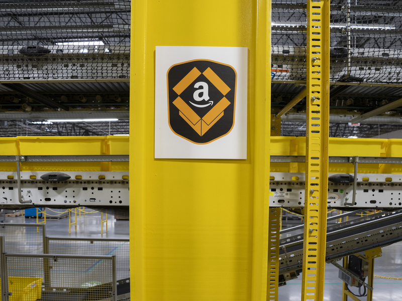Amazon aims to challenge Google after acquiring Sizmek ad server